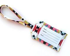 Sewing Gifts For Men How to make fabric luggage tags - Sew Some Stuff - Learn how to make homemade fabric luggage tags Scrap Fabric Projects, Easy Sewing Projects, Sewing Projects For Beginners, Fabric Scraps, Sewing Hacks, Sewing Tutorials, Sewing Crafts, Sewing Tips, Fabric Tags