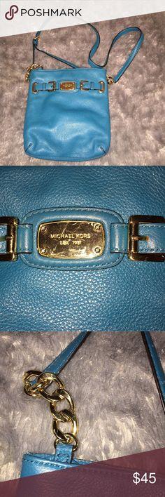 AUTHENTIC Michael Kors blue crossbody Michael Kors crossbody! Great condition ! Michael Kors Bags Crossbody Bags