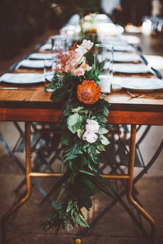 Lush and organic table runner | Image by Katie Hoss