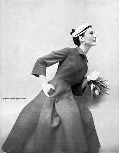 Vintage 1950s fashion | 1955