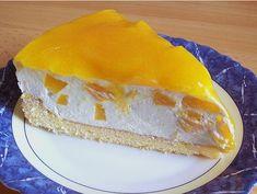 Solero - Torte Solero – Torte Zutaten 2 Ei(er) 75 g Puderzucker 75 g Speisestärke Pck. Dose/n Prunus persica(e) 2 Pck. Schlagsahne, à 200 g 1 Pck. Vanillinzucker 250 ml Maracujasaft 3 Pck. Tart Recipes, Easy Cake Recipes, Cookie Recipes, Dessert Recipes, Tea Cakes, Food Cakes, Cupcake Cakes, Raw Cake, Vegan Cake