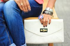 @PinkJasmine2 via Twitter with #ALDO clutch #Hogstrum aldoshoes.com
