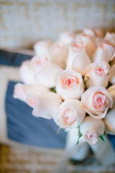 pale pink roses, so pretty. Flower Power, My Flower, Fresh Flowers, Pretty Flowers, Send Flowers, Flower Bouquets, Bridal Bouquets, No Rain, Color Rosa