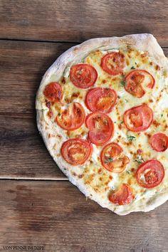 Penne im Topf: Pizza Bianca - Weiße Pizza mit Tomaten