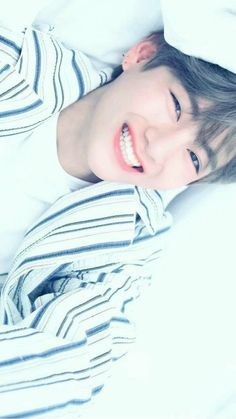 Park Jungkook who is the younger brother of famous model Park Jimin. Life is same for jungkook until he meet jimin's friend Kim Taehyung Who is a pianist. Bts Taehyung, Namjoon, Bts Bangtan Boy, Jhope, Bts Jungkook, Taehyung Smile, Yoongi, V Bts Cute, I Love Bts