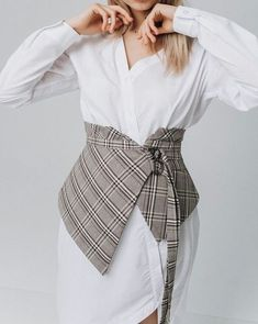 VK is the largest European social network with more than 100 million active users. Fashion Sewing, Diy Fashion, Fashion Dresses, Womens Fashion, Kleidung Design, Vetement Fashion, Dress Sewing Patterns, Mode Inspiration, Mode Style