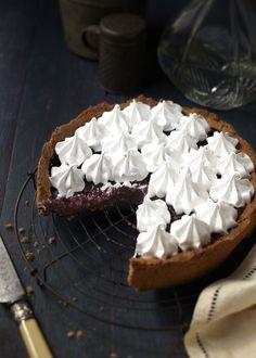 Gluten-free cherry meringue pie