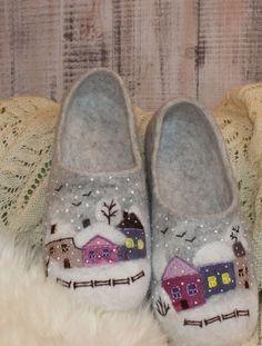 Needle felt Christmas slippers. Too Cute!
