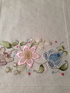 Cushion Embroidery, Jacobean Embroidery, Hand Embroidery Projects, Crewel Embroidery Kits, Silk Ribbon Embroidery, Cross Stitch Embroidery, Machine Embroidery Designs, Embroidery Patterns, Brazilian Embroidery