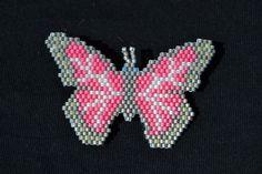 papillon rose en brik stitch, rose butterfly