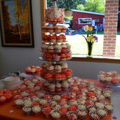 Coral wedding flower cupcakes