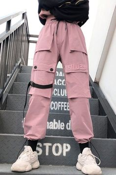 Big Pockets Pink Cargo Pants - aufbewahrung garten kleidung kosmetik wohnen it yourself clothes it yourself home decor it yourself projects Teen Fashion Outfits, Edgy Outfits, Grunge Outfits, Fashion Pants, Cool Outfits, Pink Fashion, Fashion Quiz, 40s Fashion, Fashion Stores