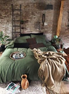 his cosy bedroom is looking lush with green. Loveeee Image by his cosy bedroom is looking lush with green. Loveeee Image by Dream Rooms, Dream Bedroom, Home Bedroom, Bedroom Ideas, Bedroom Interiors, Design Bedroom, Bedroom Green, Modern Bedroom, Bedroom Furniture