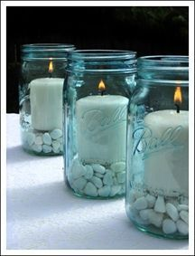 Mason Jars are so versatile. They are relatively inexpensive and you can create many different looks – from more elegant to rustic. Mason jars make great centerpieces for your wedding table decor. Check out the 10 DIY mason jar wedding centerpieces we found. Floating Candle Mason Jars Found at Emmalinebride Glitter Mason Jars Found at [...] #howtomakeweddingcenterpieces