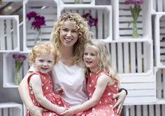 Jak krople wody :) zdjęcia z sesji MiniMe z okazji Dnia Matki. Mama - bluzka DanHen, córeczki - Mothercare