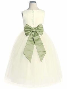 Ivory Satin Tulle Dress w/ Removable Sash @Laura Lucía Reyes @Paola Villela  miren este, solo la banda sería en old navy