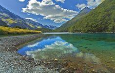 Este lago es el ÚNICO de su tipo en todo el mundo. Es difícil de creer que sea REAL