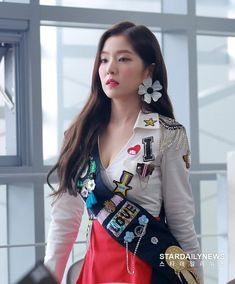 Red Velvet Announces 'Power Up' Addictive to 'Red Taste' (Concert Press Conference) :: Star Daily News Irene Red Velvet, Red Velvet アイリーン, Seulgi, Kpop Girl Groups, Kpop Girls, Kpop Outfits, Fashion Outfits, Korean Outfits, Red Velet