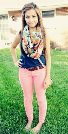 18 Cute Spring Outfits for School Girls – Fashion and Tips Really cute for SLU, just put a white denim or regular denim jacket OR a white cardigan and it's precious! Spring Outfits For School, Cute Spring Outfits, College Outfits, Outfits For Teens, Casual Outfits, School Outfits, Spring School, Pink Outfits, Outfit Summer