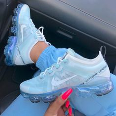 Latest sneakers from Nike and Adidas Kefilwe Mabote, Amal Fashanu, Sinitta Malone, Attend Lux Afrique Polo Day 2019 Wearing Latest African Fashion Clothing. Here are all the latest African print styles Dr Shoes, Cute Nike Shoes, Kicks Shoes, Cute Sneakers, Nike Air Shoes, Hype Shoes, Sneakers Nike, Nike Air Vapormax, Nike Air Force 1