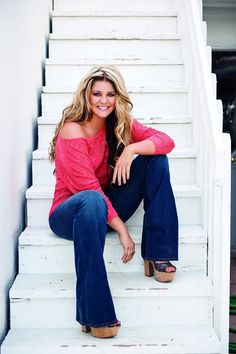 Lauren Alaina Contest by zipquinn123 | Publish with Glogster!
