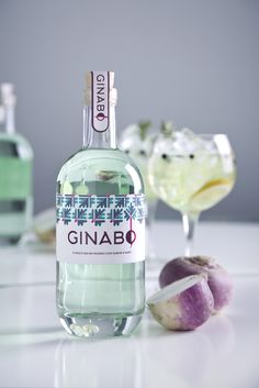 Tired of your regular ol' gin? Ginabo is a gin with a unique special ingredient: turnips. M&A Creative developed the label for this one-of-a-kind craft spirit that is just as surprising as it is flavorful. Gin Liquor, Gin Bar, Tequila, Vodka, Alcohol Bottles, Liquor Bottles, O Gin, Gin Distillery, Juice Branding