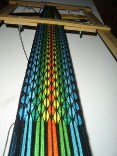 telar egipcio, telar de tarjetas. card weaving.