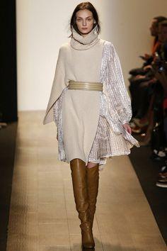 Runway & BCBG by Max Azria & New York & Herbst 2015 & Kollektionen & Fashion Shows & Vogue Girls Fall Fashion, Fashion Week, Fashion 2020, New York Fashion, Fashion Show, Autumn Fashion, Womens Fashion, Fashion Design, Fashion Black
