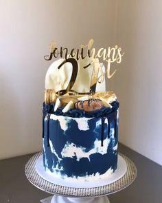 cake Birthday boyfriend - Navy and Gold Cake 21st Birthday Cake For Guys, 22nd Birthday Cakes, Gold Birthday Cake, Husband Birthday Cake, 30th Cake, Women Birthday, Cake Decorating Videos, Birthday Cake Decorating, Cake Decorating Techniques