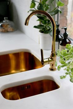 Kitchen Sink Remodeling gold sink and faucet with marble effect worktop - The full reveal of our DIY black white and gold kitchen with marble effect tiles, gold sink and tap, black appliances and open shelving! Gold Kitchen, New Kitchen, Kitchen White, White Appliances, Gold Interior, Interior Design, Farm Sink, Kitchen Sink Faucets, Cool Kitchens