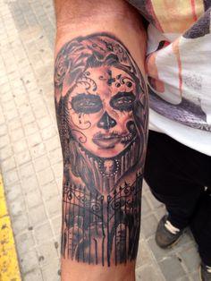 Tatuaje de catrina en proceso. #lottustattoo #tatuajesdenia #denia #deniatatuajes Black Tattoos, Black And Grey, Skull, Portrait, Tatuajes, Headshot Photography, Portrait Paintings, Black Art Tattoo, Drawings
