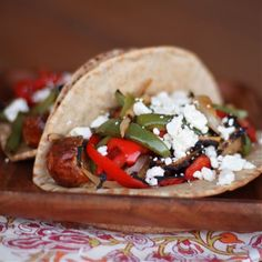 Sausage and pepper pita sandwiches made on the BBQ.a healthy twist with chicken sausage and wheat pitas Healthy Sandwich Recipes, Pita Recipes, Wrap Recipes, Dinner Recipes, Chicken Sausage, Grilled Chicken, Turkey Sausage, Sausage And Peppers, Stuffed Peppers