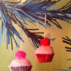 Pom Pom cupcakes ornament