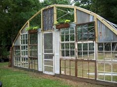 Kathy's Gorgeous Greenhouse From Old Windows How the Greenhouse was built Old Window Greenhouse, Greenhouse Film, Diy Greenhouse Plans, Greenhouse Farming, Greenhouse Supplies, Greenhouse Wedding, Cheap Greenhouse, Hydroponic Supplies, Flea Market Gardening