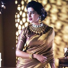 """Samantha Ruth Prabhu is looking like a princess in her traditional look. Draped in a beautiful golden saree, she is giving out all the royal vibes. She captioned this photo, """"Coz my friend /stylist/all that ,is killing it today Samantha In Saree, Samantha Ruth, Golden Saree, Saree Poses, Samantha Photos, Saree Photoshoot, Photoshoot Style, Plain Saree, Desi Wear"""