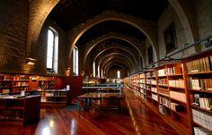 Biblioteca de Catalunya, ubicada en el Antic Hospital de la Santa Creu i Sant Pau. Barcelona.