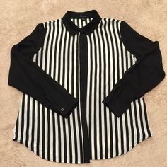 Black & White Striped Top Dressy black & white striped top. Could be worn with a nice pencil skirt. *Worn 2x. Forever 21 Tops Button Down Shirts