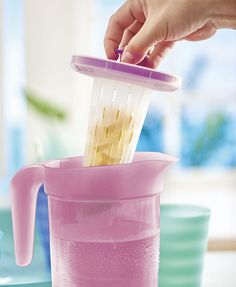Impressions L Pitcher with Infuser Insert: Citrus splash or strawberry sweet? Add a burst of flavor to your water by filling the infuser with citrus, herbs or berries. Fruit Infused Water, Fruit Water, Fresh Fruit, Infusion Pitcher, Tupperware Recipes, Lemon Detox, Healthy Drinks, Healthy Smoothies, Healthy Food