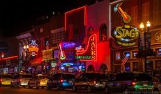 The best US cities to visit in your 20s - Nashville Downtown