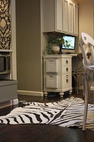 My Sweet Savannah-zebra rug made from a drop cloth Remodeling Mobile Homes, Rugged Style, Polished Concrete, Cool Gadgets, Savannah Chat, Diy Projects, Thursday, Storage, Sweet