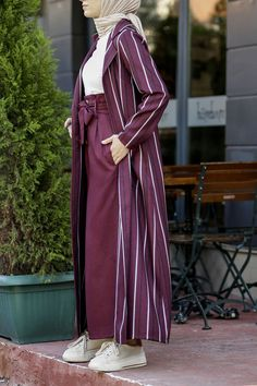 Modest Fashion Hijab, Modern Hijab Fashion, Modesty Fashion, Hijab Fashion Inspiration, Muslim Fashion, Fashion Outfits, Mode Abaya, Mode Hijab, Pakistani Dresses Casual