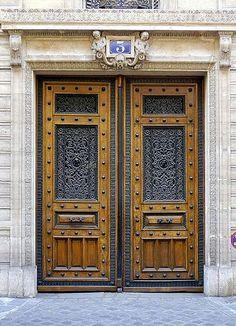 rue Pasquier - Paris 8ème... Belle porte au n° 3 de la rue Pasquier