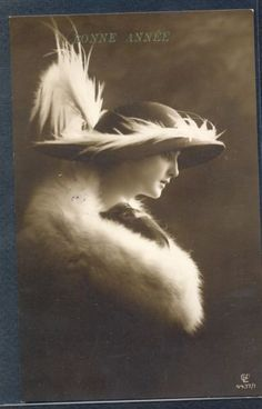 QH115-HIGH-FASHION-LADY-FEATHER-HAT-FUR-Tinted-PHOTO-pc-GL-Co