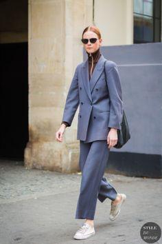 Model off duty Street Style Street Fashion Streetsnaps by STYLEDUMONDE Street Style Fashion Photography