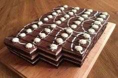 Čokoládové rezy, recepty, Zákusky   Tortyodmamy.sk Mini Pastries, French Pastries, Baking Recipes, Cake Recipes, Dessert Recipes, Mini Cakes, Cupcake Cakes, German Desserts, Mini Tortillas