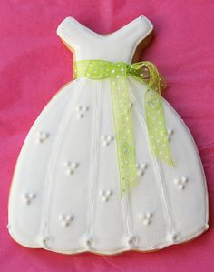 Pink Martinis and Pearls: Debutante Ball Gown Decorated Cookie Fancy Cookies, Cut Out Cookies, Iced Cookies, Cute Cookies, Royal Icing Cookies, Yummy Cookies, Cupcake Cookies, Sugar Cookies, Cupcakes