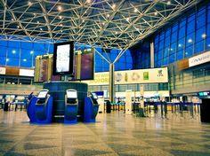 Helsinki Airport (HEL) - Airport in Lentokenttä Helsinki Airport, Finland Travel, International Airport, Stock Market, Four Square, Stuff To Do, Travel Tips, Around The Worlds, Airports