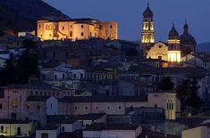 il castello di Venafro in Molise. 41°29′00″N 14°03′00″E