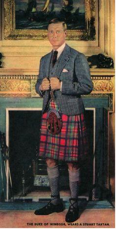 +~+~ Vintage Photograph ~+~+ The Duke of Windsor wearing Royal Stuart Tartan. Eduardo Viii, Reine Victoria, Wallis Simpson, Men In Kilts, Kilt Men, Formal Coat, Queen Mother, British Monarchy, Princesa Diana