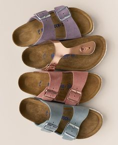 Adoring these classic Birkenstock sandals in a variety of cute spring colors. – TeensGotCents Adoring these classic Birkenstock sandals in a variety of cute spring colors. Adoring these classic Birkenstock sandals in a variety of cute spring colors. Sock Shoes, Cute Shoes, Me Too Shoes, Shoe Boots, Slide Sandals, Shoes Sandals, Flat Sandals, Sneakers, Fashion Mode